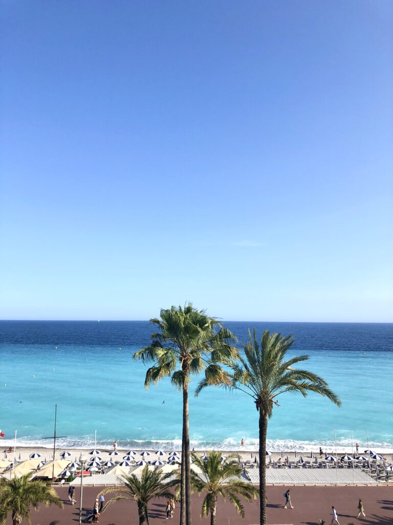Nice'in ünlü caddesi Promenade des Anglais