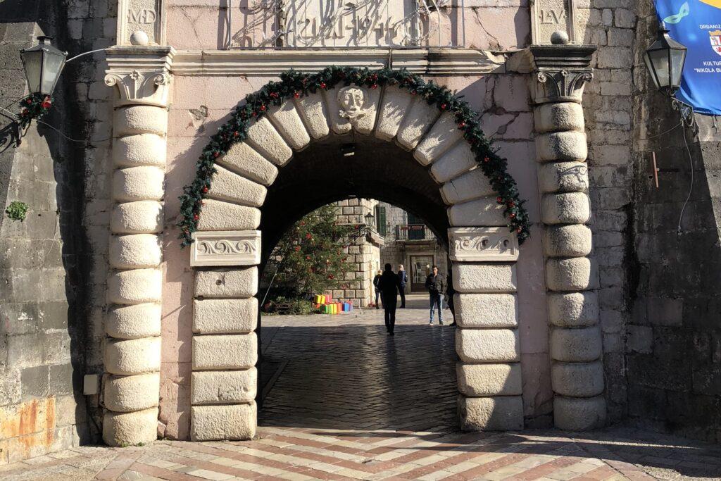 Kotor Stradi Grad'a Giriş Kapısı