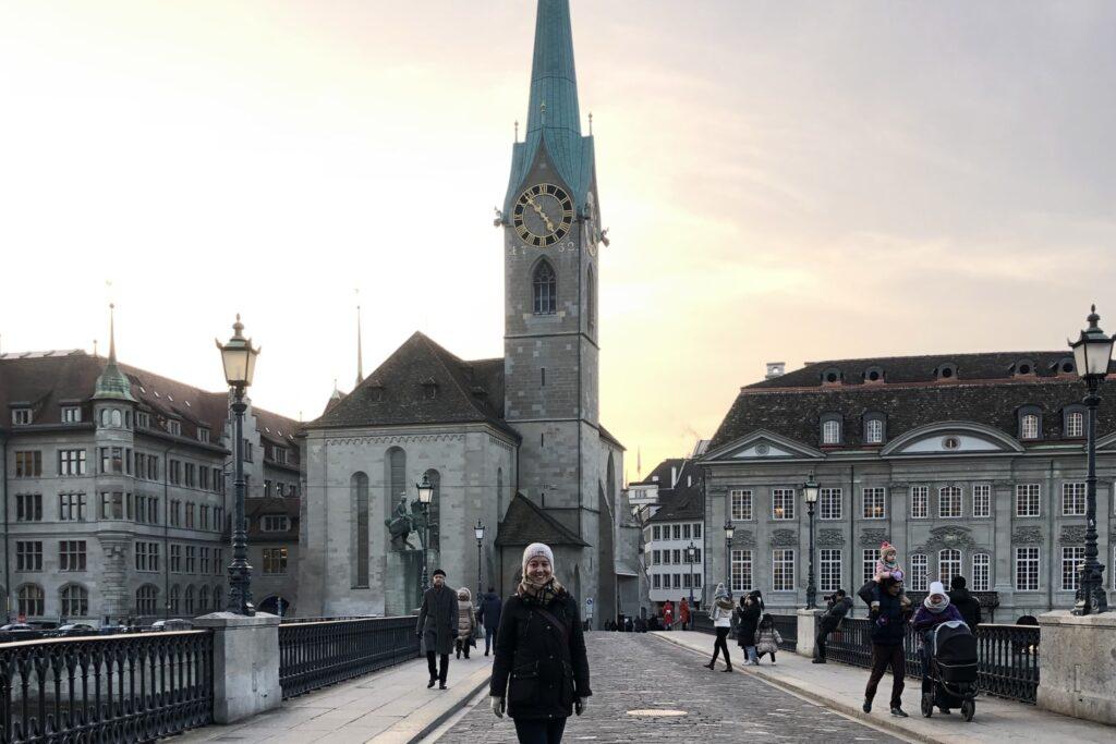 Fraumünster Kilisesi