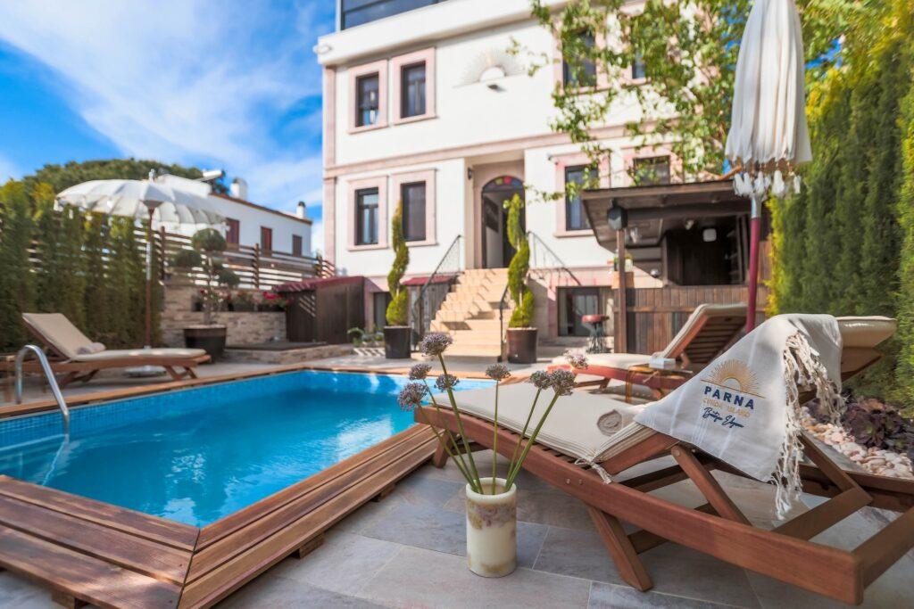 Small Hotels & Küçük Oteller